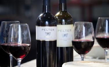 PELTER WINERY / יין T selection
